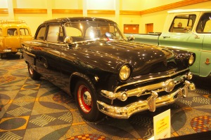 Beautiful Ford Customline, my brother had one of these in the 60's