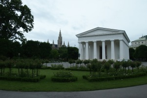 Theseus Temple in the Volksgarten.