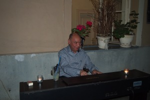 The delightful pianist at Jevrem