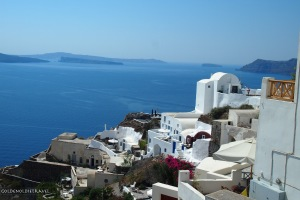 The curves of Oia