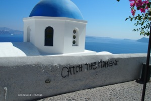 Even Oia gets some graffiti